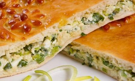 рецепт заливного пирога с луком зеленым и яйцом